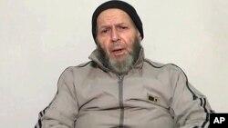 Warren Weinstein (72 tahun), seorang pekerja bantuan AS tampil dalam video akhir tahun 2013, memohon Presiden Obama agar membebaskannya (foto: dok).
