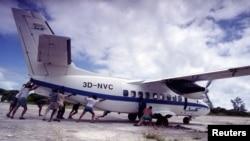 Un avion sur un tarmac au Mozambique, le 30 novembre 2013.