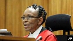 Thẩm phán Tòa án Tối cao Thokozile Masipa tuyên án đối với Oscar Pistorius ở Pretoria, Nam Phi, 21/10/2014.