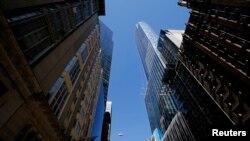 纽约市正在建造的豪华公寓大楼,不少中国富人购买纽约等城市的房地产。