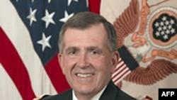 Ðại Tướng Chiarelli nói rằng tình hình chỉ cải thiện đáng kể khi nào số binh sĩ tại Afghanistan và Iraq giảm xuống nhiều