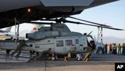 美國海軍陸戰隊在尼泊爾加德滿都唯一國際機場負責救援和運送大量救援物資。