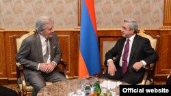 Armenian President Serzh Sargsyan received French actor Alen Delon