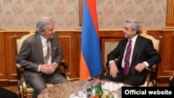 Armenian President Serzh Sargsyan received French actor Alen Delon