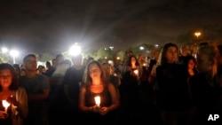 Bdenje za ubijene u srednjoj školi na Floridi