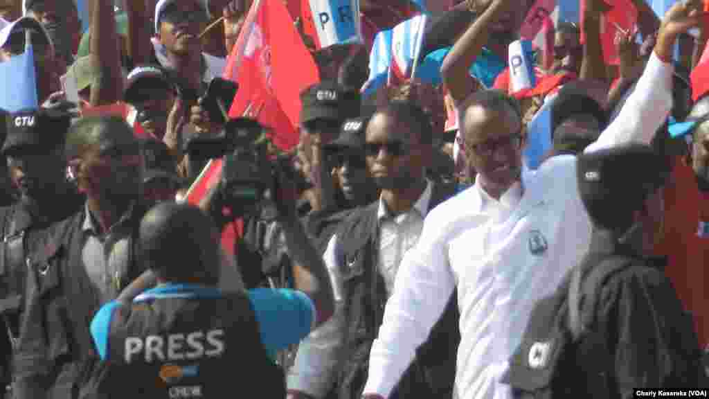 Le président rwandais, Paul Kagame, à Kigali, Rwanda, le 2 août 2017. (VOA/Charly Kasereka)