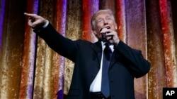 1月17日美國當選總統川普於華盛頓晚宴中講話。