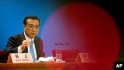 Thủ tướng Lý Khắc Cường phát biểu tại cuộc họp báo sau khi Đại hội đại biểu Nhân dân toàn quốc Trung Quốc bế mạc tại Bắc Kinh ngày 20/3/2018.