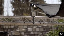 Kamera keamanan yang dipasang di pintu masuk komplek Al-Aqsa akhirnya dibongkar oleh pasukan keamanan Israel (foto: dok),
