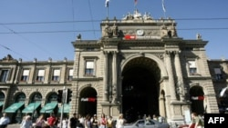 Thụy Sĩ được xem là một 'hòn đảo thịnh vượng' tại châu Âu đang gặp khó khăn về kinh tế