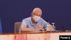 Epidemiolog Predrag Kon na konferenciji za novinare Kriznog štaba