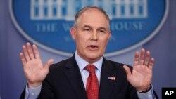 Scott Pruitt, administrador de la Agencia de Protección Ambiental de EE.UU. renunció tras meses de cuestionamientos de ética y abuso de poder. Lo reemplazará interinamente el subjefe de EPA, Andrew Wheeler.