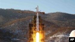 북한 장거리 로켓 발사