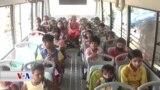 پاسێک دەکرێتە پۆلی خوێندن بۆ منداڵانی شوێنە هەژارنشینەکانی هیندستان