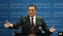 Μουμπάρακ: Θα ήθελε αλλά δεν μπορεί να αποσυρθεί