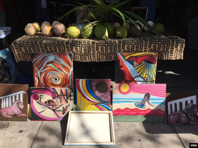 Haitian art on display in front of the Caribbean Marketplace in Little Haiti, Miami, Florida. (Photo: S. Lemaire)