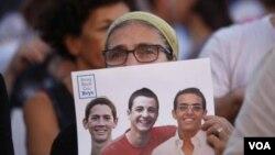 지난 29일 이스라엘 텔아비브에서 실종된 청소년들의 귀환을 촉구하는 집회가 열렸다. 이들은 30일 숨진 채 발견됐다.