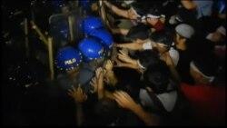 ตำรวจฟิลิปปินส์ปะทะผู้ประท้วงระหว่างการประชุมเอเปกที่กรุงมะนิลา
