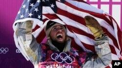 考森伯格获得了男子单板滑雪障碍技巧项目的金牌