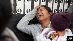 Porodice čekaju na identifikaciju žrtava požara u skloništu blizu Gvatemala sitija