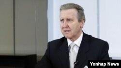 9일 한국 서울에서 연합뉴스와 인터뷰하는 윌리엄 코언 전 미국 국방부 장관.