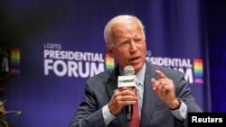 រូបឯកសារ៖ បេក្ខជនប្រធានាធិបតីពីគណបក្សប្រជាធិបតេយ្យលោក Joe Biden ថ្លែងអំឡុងពេលវេទិកាមួយ នៅក្រុង Cedar Rapids រដ្ឋ Iowa កាលពីថ្ងៃទី២០ ខែកញ្ញា ឆ្នាំ២០១៩។