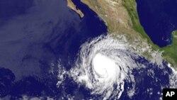 Imagen de la tormenta troopical Bud, tomada a las 2 a.m. del jueves 24 de mayo de 2012. Se podría convertir en huracán esta noche.