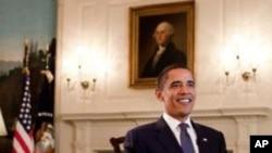 奥巴马总统即将发表每周讲话瞬间