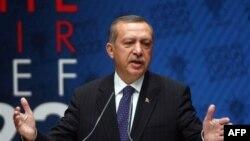 Suriyeliler Askeri Katliam Korkusuyla Türkiye'ye Kaçıyor