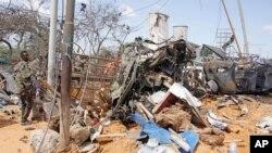 Fue uno de los ataques más mortíferos en tiempos recientes en Mogadiscio. El número de muertos podría aumentar, ya que decenas de personas heridas fueron llevadas a hospitales, informó el vocero del gobierno, Ismail Mukhtar, a The Associated Press.