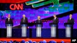 美國民主黨2016總統參選人星期二晚舉行首場辯論