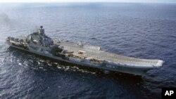 Le porte-avion russe, l'Amiral