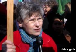反同性婚姻人士安•科尔斯(视频拦图)