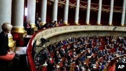 Anggota DPR Perancis memulai debat sengit soal RUU larangan ujaran kebencian online (foto: dok).