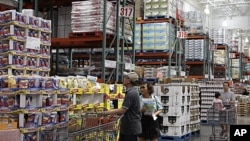 A couple shops at Costco Wholesale in Mountain View, Calif (Sept. 2011 file photo).