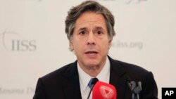 Phó Bộ trưởng Ngoại giao Mỹ Tony Blinken nói tại một hội nghị thượng đỉnh vùng ở Bahrain ngày thứ Bảy là Hoa Kỳ đang tăng cường những nỗ lực tại Syria trên tất cả các mặt trận.