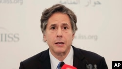 Deputy U.S. Secretary of State Tony Blinken, speaking at a regional security summit in Bahrain, says the United States is stepping up its efforts in Syria on all fronts, Oct. 31, 2015.