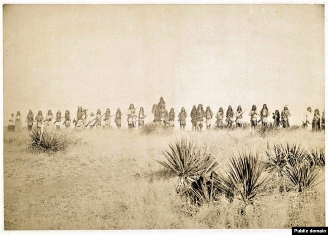 Geronimo (center), taken by photographer C.S. Fry taken before his final surrender to the U.S. Army in March, 1886.