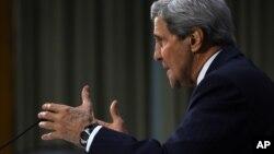 Kerry habló el martes en una audiencia del Congreso sobre las justificaciones legales para las operaciones militares estadounidenses contra el grupo extremista islámico.