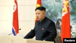 شمالی کوریا کے راہنما کم جانگ ان پیانگ یانگ میں سائنس دانوں سے خطاب کررہے ہیں۔ 22 دسمبر 2012