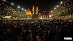 Warga Syiah Irak melakukan perayaan Ashura di Karbala, kota suci kaum Syiah (foto: dok). Warga Syiah Irak sering menjadi sasaran serangan teror bom bunuh diri oleh kelompok radikal Sunni.