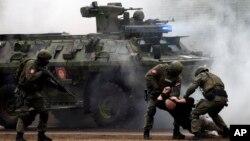 28일 세르비아 스메데레포에서 중국과 세르비아 경찰이 합동 대테러 훈련을 실시했다.