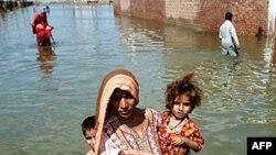 Lụt lội khiến hơn 5 triệu người phải bỏ nhà lánh nạn ở Pakistan