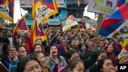 2017年3月10日,印度达兰萨拉的流亡藏人纪念1959年3月10日拉萨起事58周年。