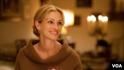 Julia Roberts menjadi pemeran utama dalam film 'Eat Pray Love' yang diputar di bioskop-bioskop Amerika mulai hari Jumat.