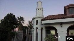 در این مسجد مسلمانان کشور های مختلف به نماز می آیند