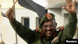 Presiden Sudan Omar al-Bashir memenangkan masa jabatan berikutnya, Senin 27/4 (foto: dok).