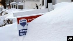 Kawasan New England AS saat dilanda badai salju tahun lalu (foto: dok). Badai musim dingin diperkirakan akan kembali melanda pantai timur AS akhir pekan ini.