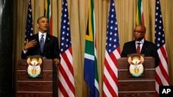 Presidentes Barack Obama e Sul africano Jacob Zuma em conferencia de imprensa.
