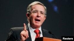 El expresidente Álvaro Uribe se perfila como seguro senador del congreso colombiano.